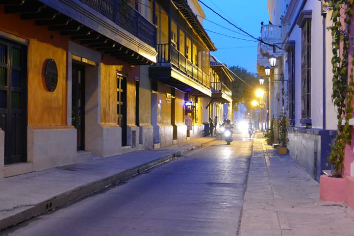 Street of Santa Marta in the night